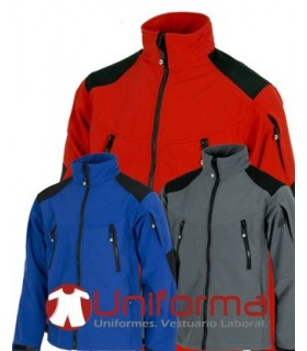 Chaqueta Workshell triple capa con refuerzos.