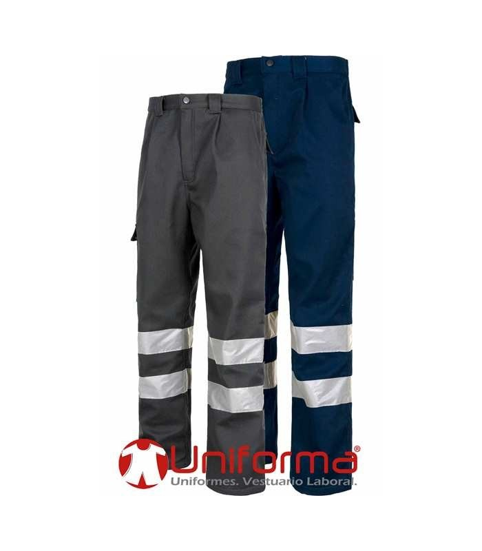 Winter work pants with reflective tapes, lined with fleece.
