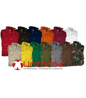 Multipocket padded vest work.