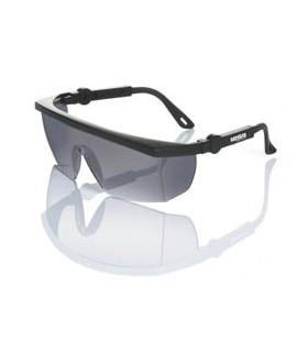 Gafas montura universal ocular ahumado.